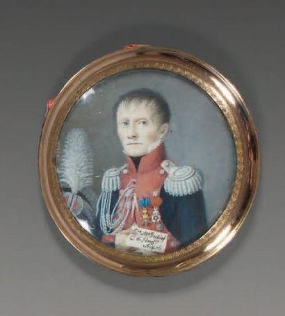 Miniature ronde sur ivoire : Portrait d'un colonel de gendarmerie à l'armée de Naples,...