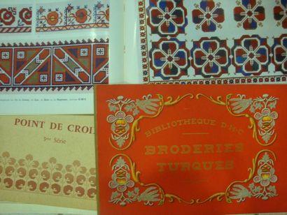 Réunion de 4 ouvrages, Textiles scandinaves...