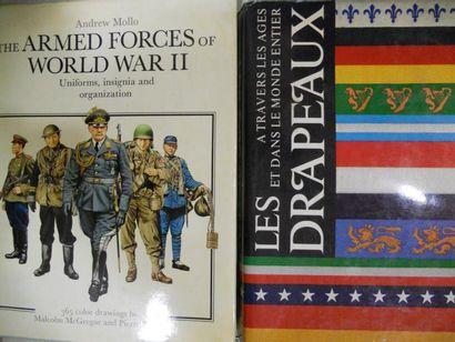 Lot de 3 ouvrages Militaria - The Armed Forces...