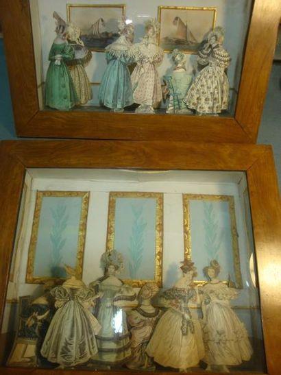Deux dioramas d'élégantes sous Charles X...