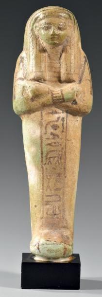 Chaouabti inscrit sur une colonne ventrale...