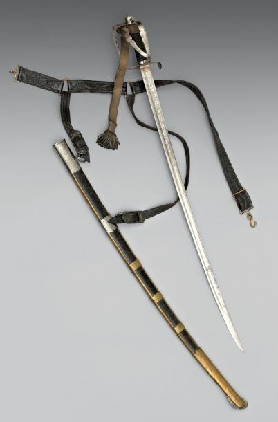 Rare sabre d'officier du 2e régiment de chasseurs...