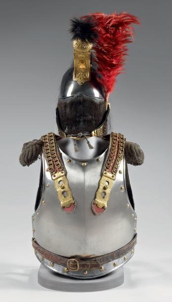 Ensemble d'officier de cuirassiers modèle 1812: - Casque, bombe en argent à la Minerve;...