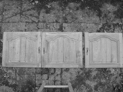 Enfilade de trois portes basses H. 56 - L....