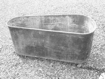 Baignoire en cuivre H. 60 - L. 60 - l. 133...