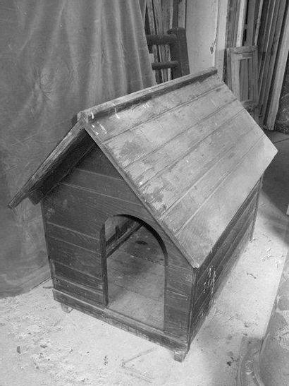 Niche à chien H. 107 - L. 80 P. 116 cm