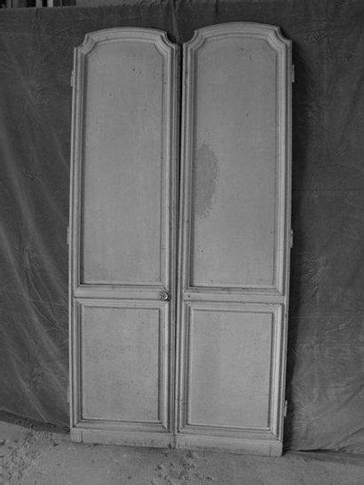 Paire de portes en bois peint H. 198 - L....