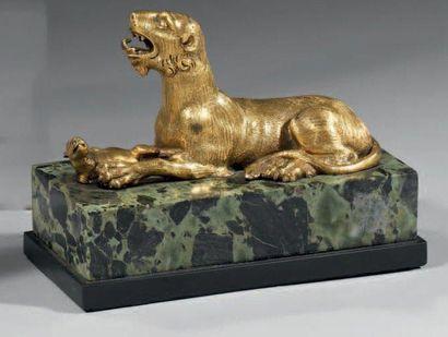Statuette en bronze très finement ciselé,...