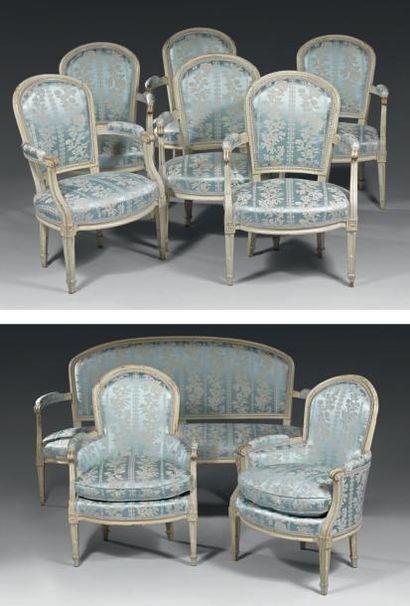 Mobilier de salon comprenant: un canapé,...