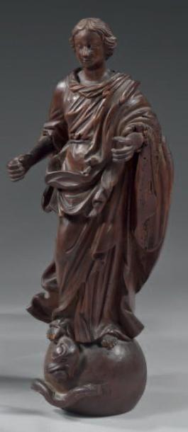 Vierge d'Apocalypse (Ap. 12) en bois sculpté....