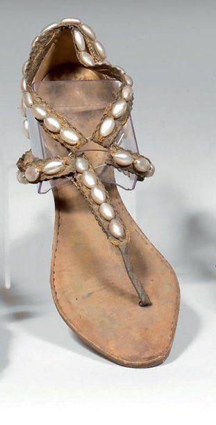 Paire de sandales de femme, Grèce antique,...