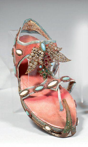 La sandale de Cléopâtre pour le théâtre,...