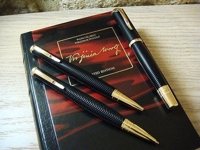 """MONTBLANC """"VIRGINIA WOOLF"""" Edition limitée, Collection """"Writers"""" Set comprenant stylo..."""
