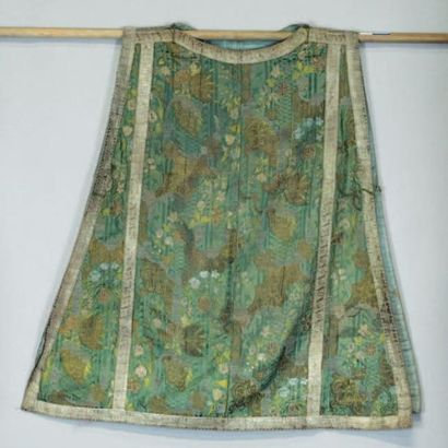 Chasuble, milieu XVIIIème siècle, en brocart...