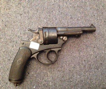 Revolver modèle 1873, daté de 1889, n°F15758...