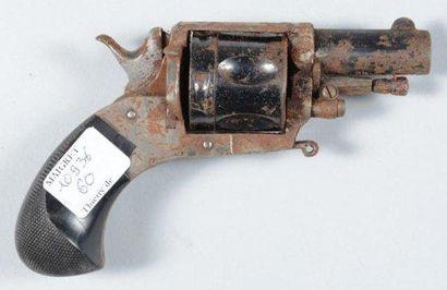 Petit revolver Bulldog, calibre environ 8mm,...