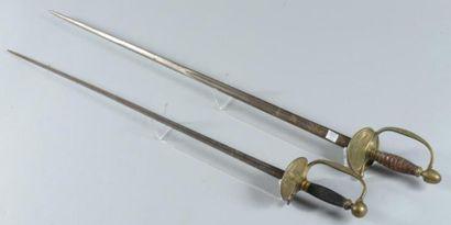 Deux épées d?uniforme de type 1816, l?une...
