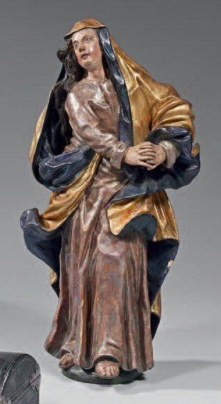 Vierge de calvaire debout en bois sculpté...