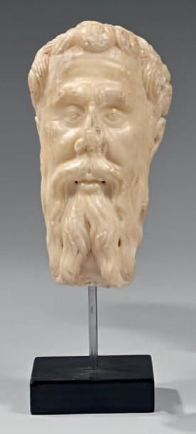 Très belle tête d'homme barbu en albâtre...