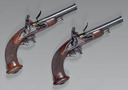Paire de pistolets à silex d'officier d'infanterie...