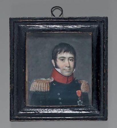 Miniature rectangulaire sur ivoire: Portrait en buste d'un lieutenant-colonel d'infanterie...