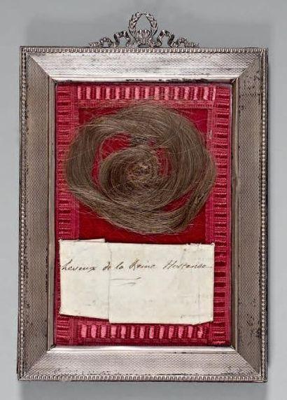 Mèche de cheveux de la Reine Hortense: elle...