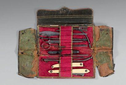 Trousse de petite chirurgie, de voyage, prise dans la berline de l'Empereur Napoléon...