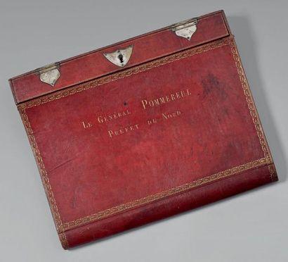 Portefeuille écritoire en maroquin rouge...