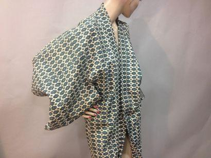 Kimono court, Japon, vers 1920. Crêpe de...