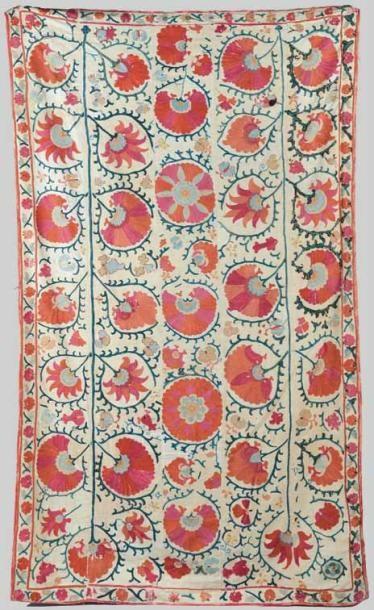 Suzani, Asie Centrale, XIXe siècle. Coton...