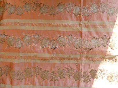 Document de brocart pour robe du soir, Lyon,...