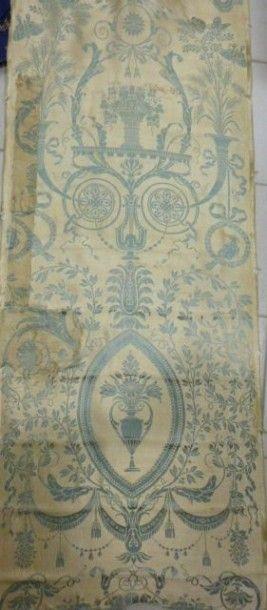Lampas liseré en arabesque, vers 1790. Soie,...