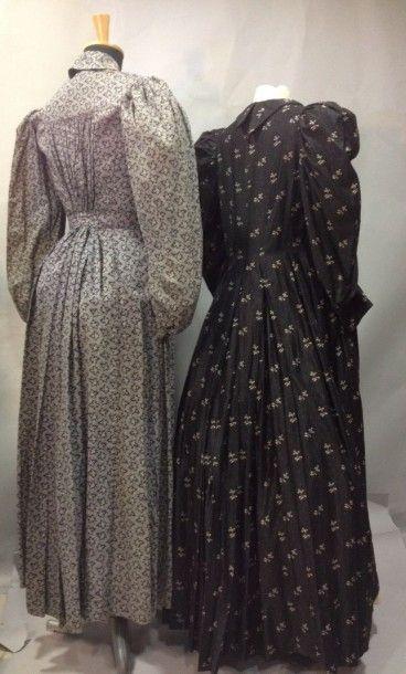 Deux robes d'ouvrière en coton, vers 1900....