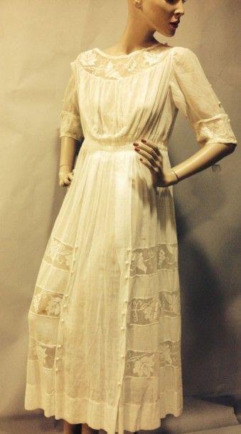 Belle robe d'été en linon et Filet brodé,...