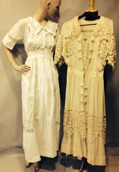 Deux robes d'été, vers 1915. L'une crêpe...