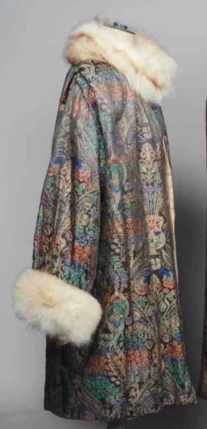 Manteau du soir «Persan» en façonné-lamé,...