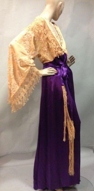 Robe d'intérieur orientaliste, vers 1910....