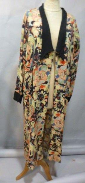 Manteau léger en soie imprimée, vers 1927....