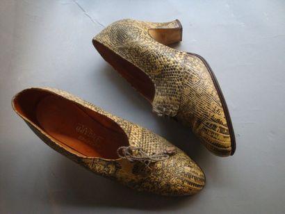 Chaussures en python, modèle Charme» de Bailly,...