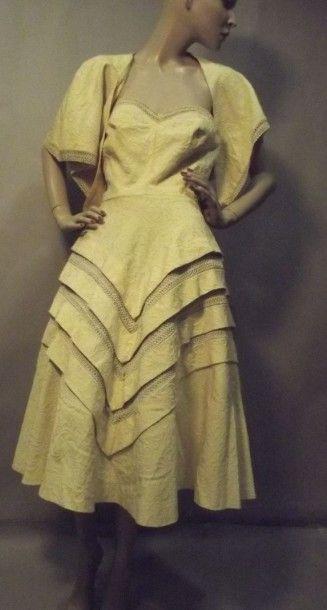 Ensemble robe et étole, anonyme, vers 1950....