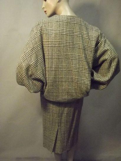 Tailleur blousant, Guy LAROCHE, vers 1950.Tweed...