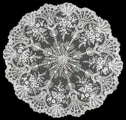 Beau pavillon d'ombrelle Marquise, Applications d'Angleterre, fuseaux, vers 1860....