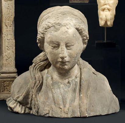 Buste de dame de qualité en pierre calcaire...