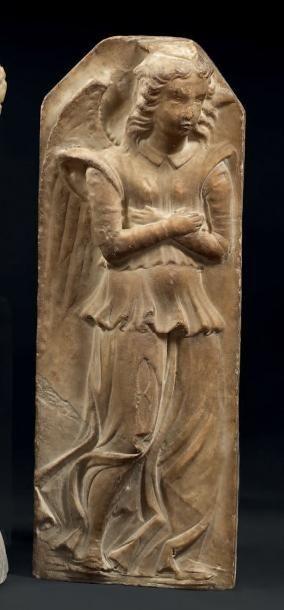 Bas-relief en marbre sculpté représentant...