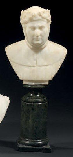 Petit buste en albâtre représentant Pétrarque...