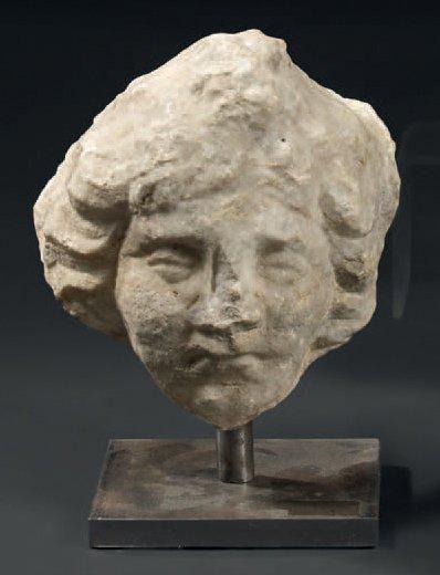 Tête de femme en marbre sculpté Socle en...