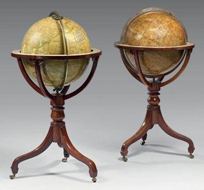 Globe terrestre et sphère céleste signés...