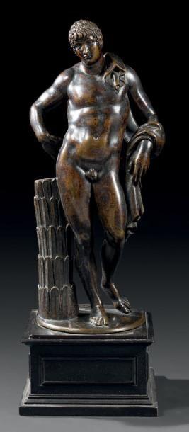 Appolon en bronze, fonte à la cire perdue. Laque brun-noir, splendide patine claire,...