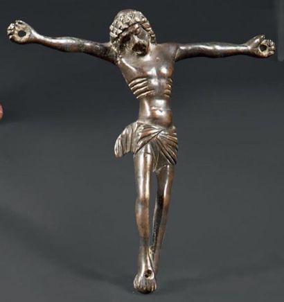 Christ en bronze doré d'applique. Le périzonium...