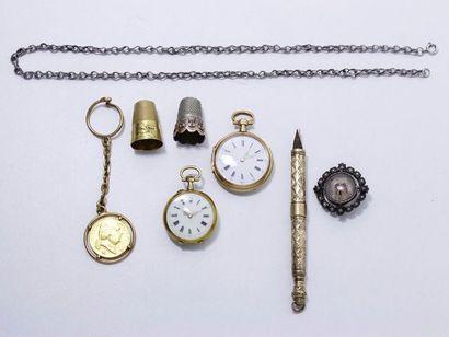 Lot en or 18 K composé de 2 montres de col,...